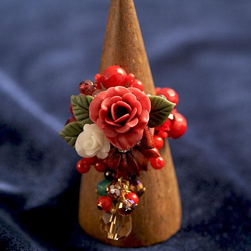 赤い薔薇とリボンのリング  【作家:NARUMIDO】