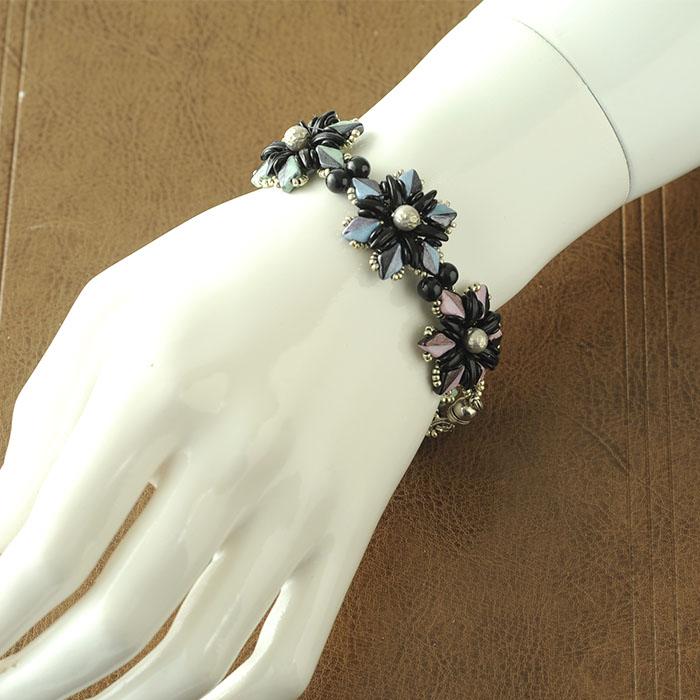 bloom bracelet 【作家:荒木晴美(atelier embellir)】
