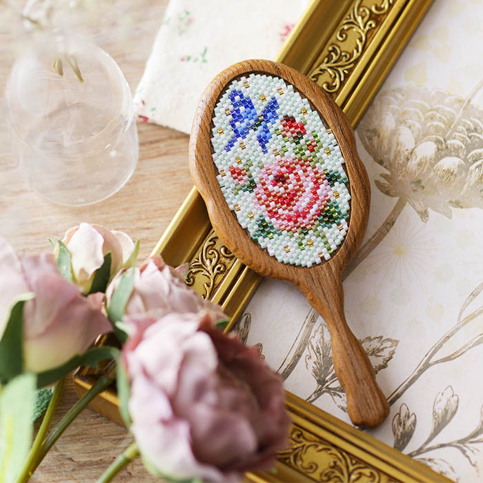 ★4/14 NEW★ 手鏡〜薔薇と蝶〜  ビーズマニア