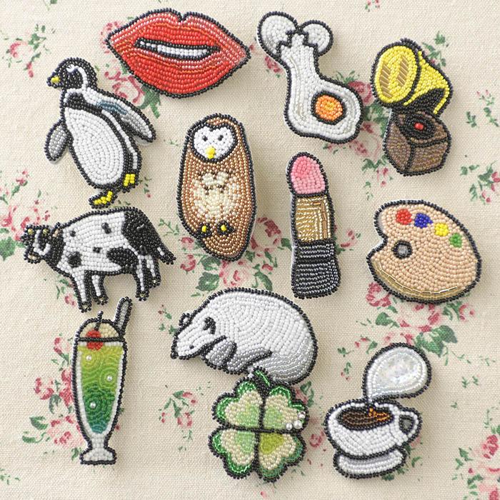 ビーズファクトリー ビーズ刺しゅうブローチキット つやつやリップ  BK-579 【ビーズ 刺繍】