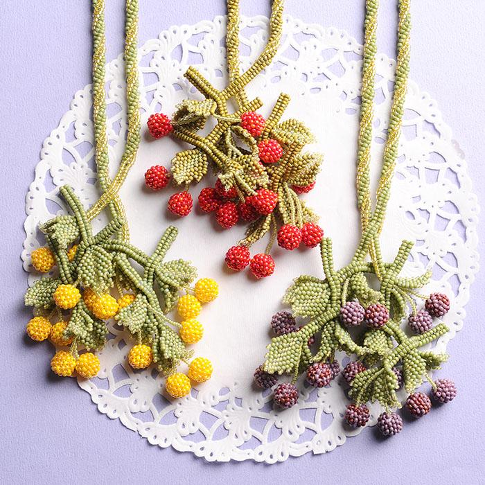 cherry necklace(パープル)  【作家:荒木晴美(atelier embellir)】