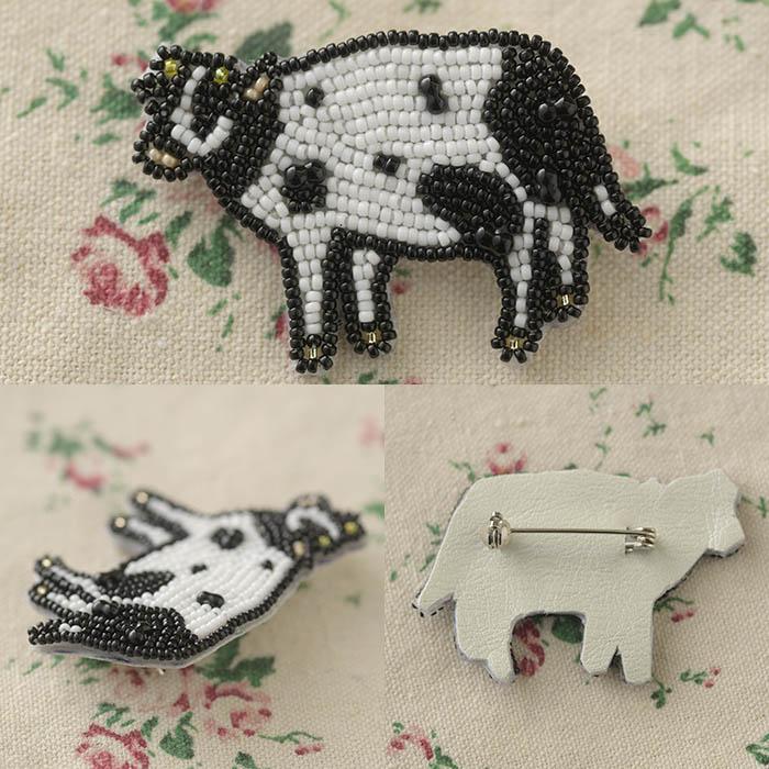 ビーズファクトリー ビーズ刺しゅうブローチキット のんびりモーちゃん  BK-583 【ビーズ 刺繍】