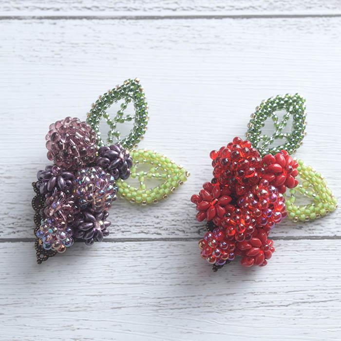 Petit Fruit ブローチ(パープル)  OT-140 【作家:新井桂子(Fairy-R)】