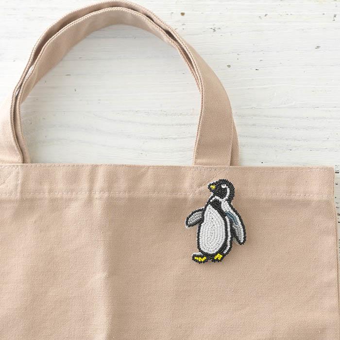 ビーズファクトリー ビーズ刺しゅうブローチキット スキップペンギン  BK-586 【ビーズ 刺繍】