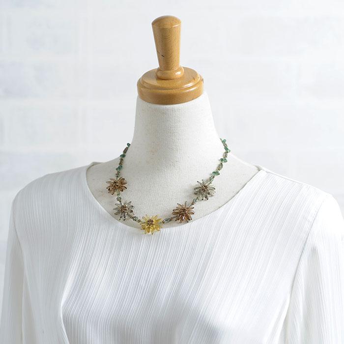 フラワーティアラ(セピア)  【作家:漆原昌美(Mai My Beads)】