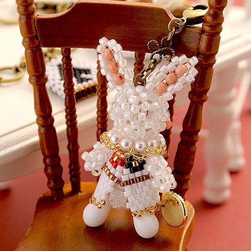不思議の国のアリス〜白ウサギとトランプのバッグチャーム〜  【作家:Lovelyカオリ〜渡辺かおり〜・あわいしのぶ(Shinon*)】