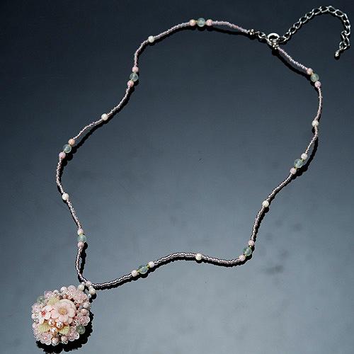 八重桜カボションのネックレス  【作家:NARUMIDO】