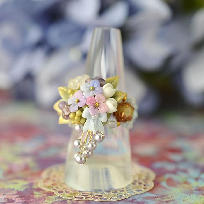 紫陽花とミニ薔薇のキャスケードのリング 【作家:NARUMIDO】