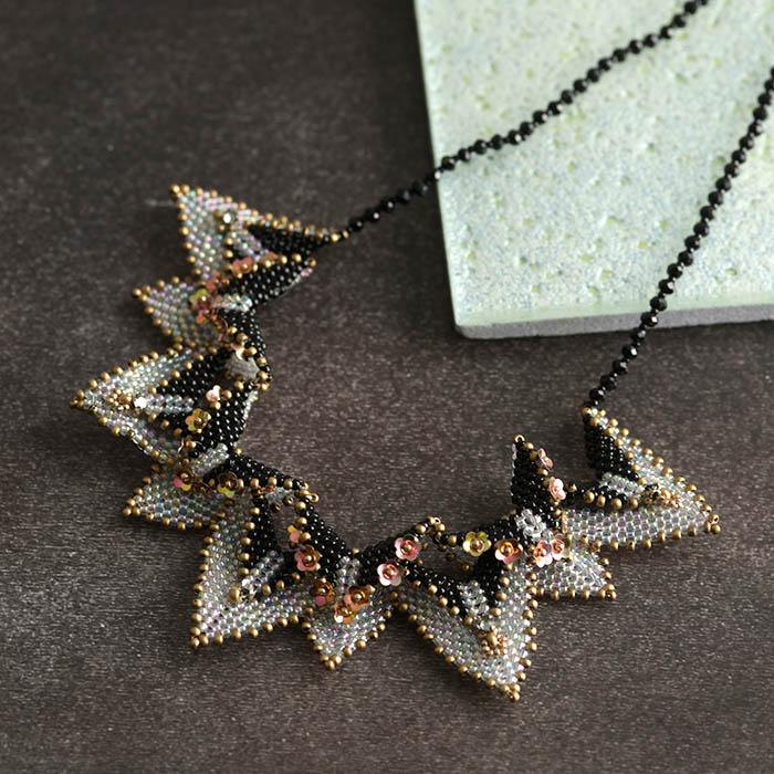 triangle dangle necklace  【作家:荒木晴美(atelier embellir)】