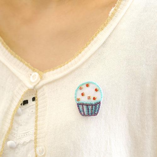 ビーズ刺繍で作るプチガトー ベリー 【ビーズ 刺繍】 【作家:三木千賀子】