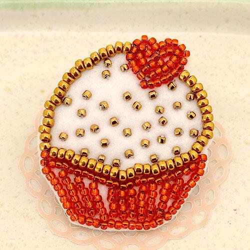 ビーズ刺繍で作るプチガトー ハート 【ビーズ 刺繍】 【作家:三木千賀子】
