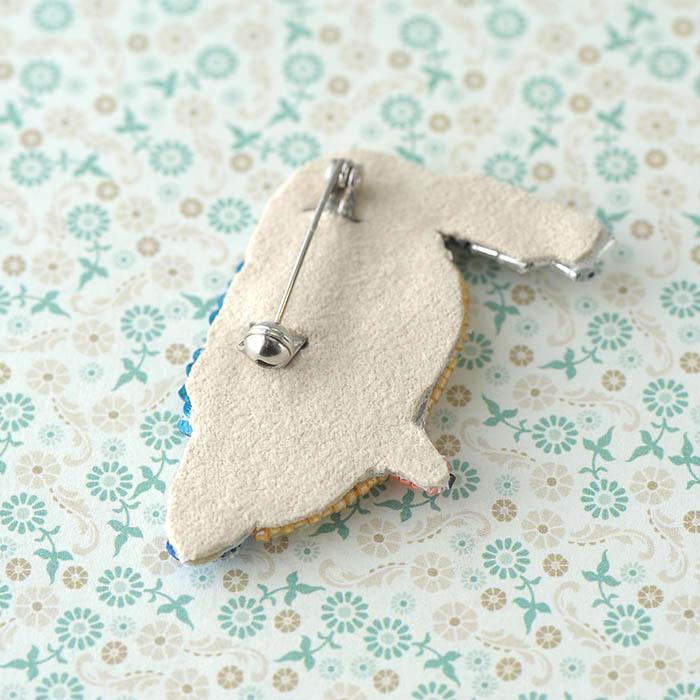 TOHO ブローチキット カワセミ食事中  YMK-1 【ビーズ 刺繍】