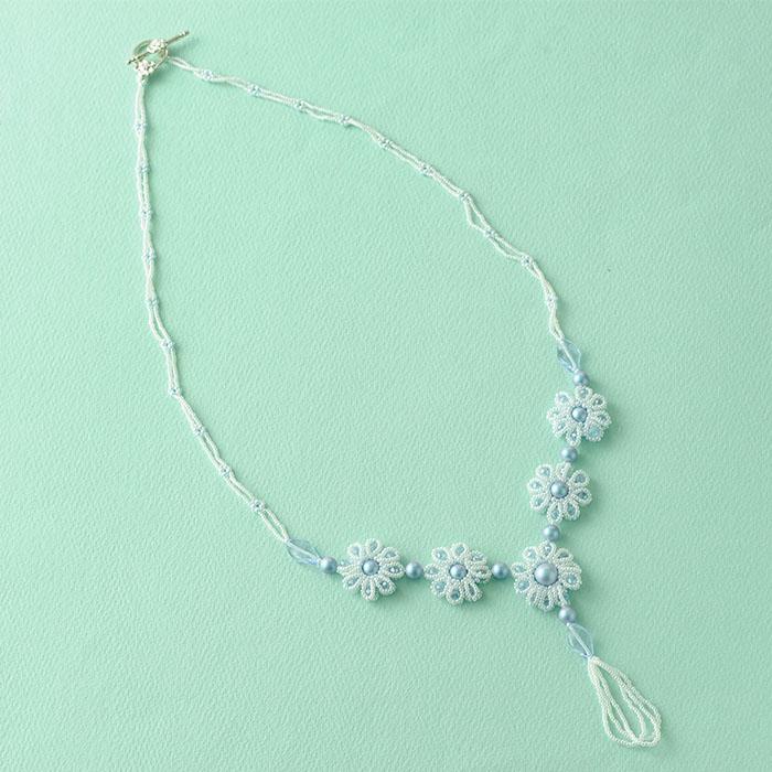 ☆2/4 再入荷☆ petitflower necklace イラデサントライトブルー  【作家:荒木晴美(atelier embellir)】