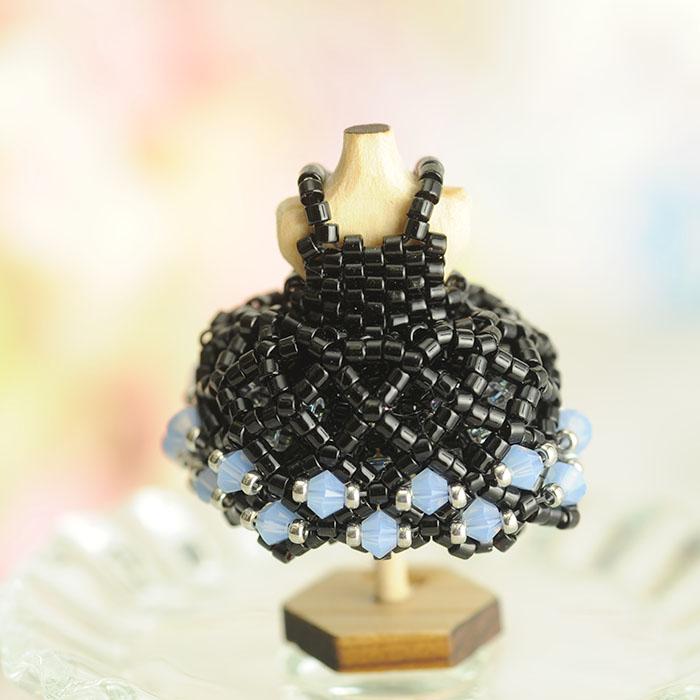 ビーズステッチで作る ハニカムトルソードレス〜ジェニファー・黒〜  【作家:漆原昌美(Mai My Beads)】