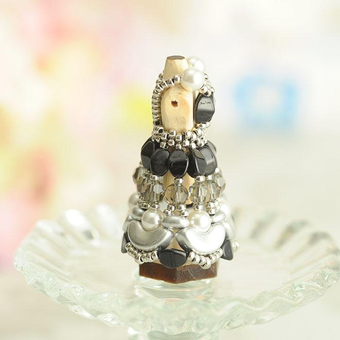 ビーズステッチで作る ハニカムトルソードレス〜ヴィクトリア・黒〜  【作家:漆原昌美(Mai My Beads)】