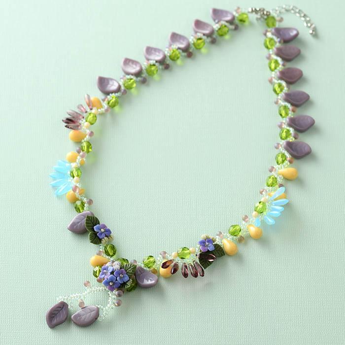 紫陽花とチェコビーズのネックレス  【作家:NARUMIDO】