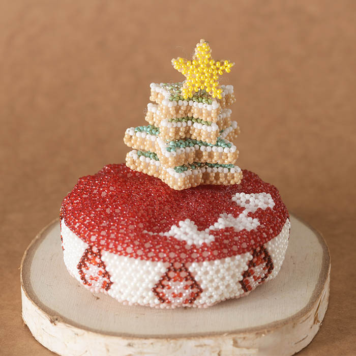 ビーズで編みぐるみ〜クリスマスケーキ〜  ビーズマニア