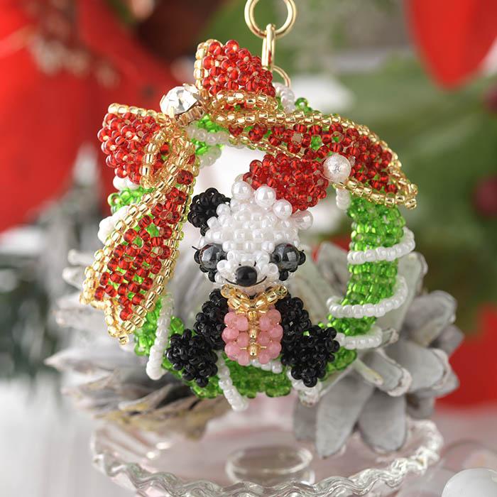 【7月31日までの期間限定!10%OFFの特別価格】 Christmasリースパンダ  【作家:arco iris 川崎 茉紀】