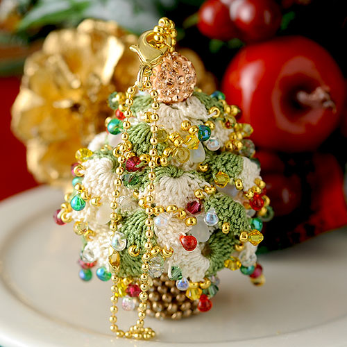 クリスマスツリーチャーム(グリーン×ホワイト) 【作家:芝裕子(Atelier Siva)】