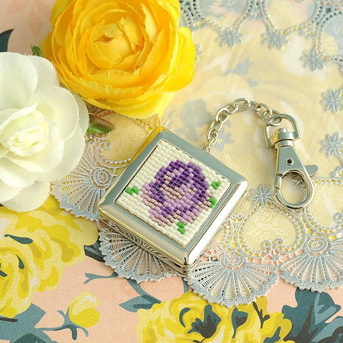 ビーズファクトリー フェミニンローゼ・バッグハンガー(紫)〜デリカビーズ織りキット〜  BFK-520
