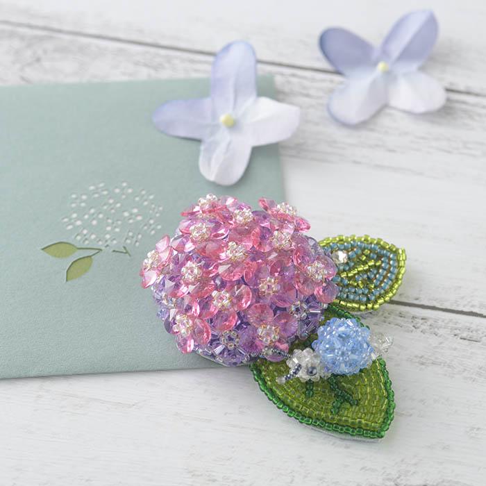 紫陽花のブローチ  【作家:ちばのぶよ】