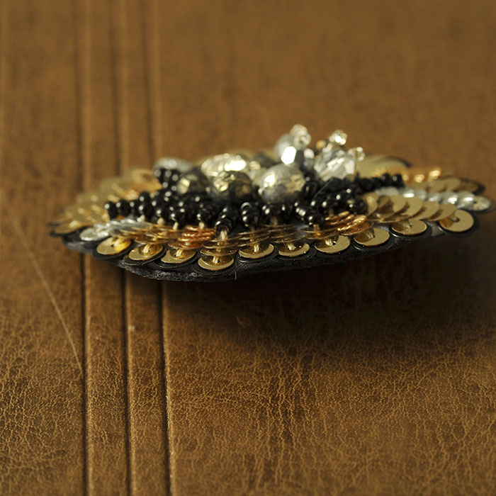 ビーズファクトリー オートクチュールビーズ刺繍キット ゴールドフラワーブローチ HCK-003