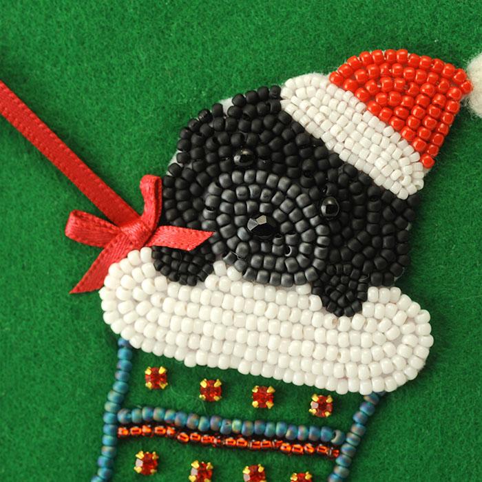 黒プードル ヒューの12ヶ月シリーズ 〜12月 クリスマスフレーム〜  K-246 【ビーズ 刺繍】 【作家:三木千賀子】