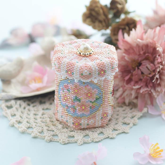 ステッチボックス〜Spring flowers〜  ビーズマニア