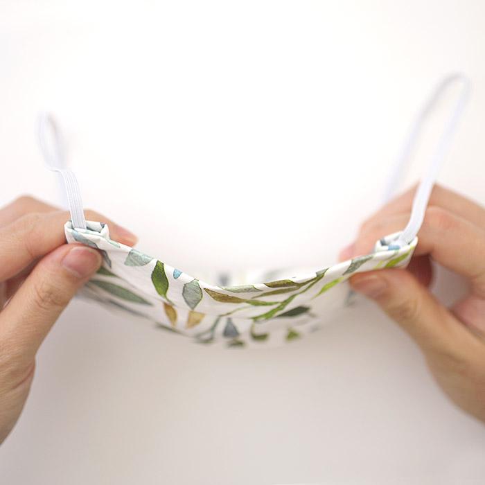 【在庫限り】ペーパーナプキンで作る使い捨てマスク材料セットtypeB 23 森の花と動物たち