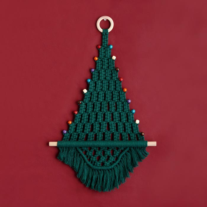 キット/マクラメでつくるクリスマスタペストリーキット「ホーリーグリーン」
