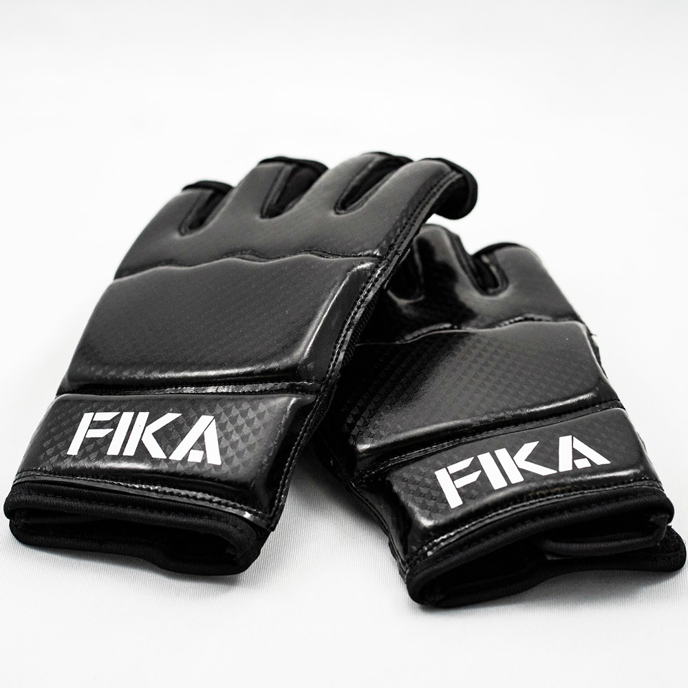 FIKA公式|グローブ