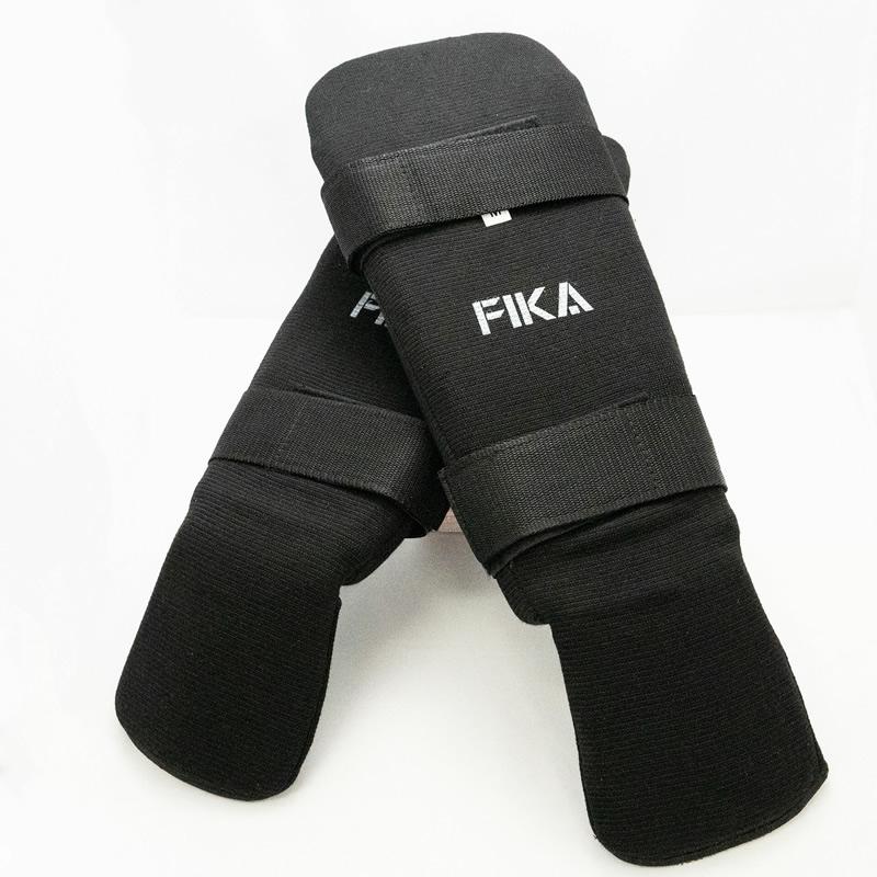 FIKA公式 レッグガード(テープ付き)