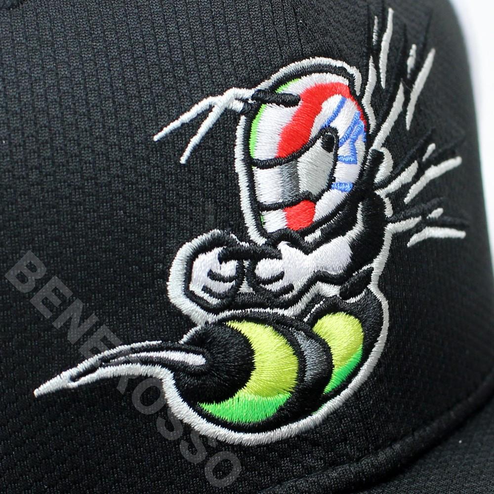アルファロメオ レーシング オーレン チーム A.ジョビナッツィ BEE-STING フラットキャップ 2021 U90081413