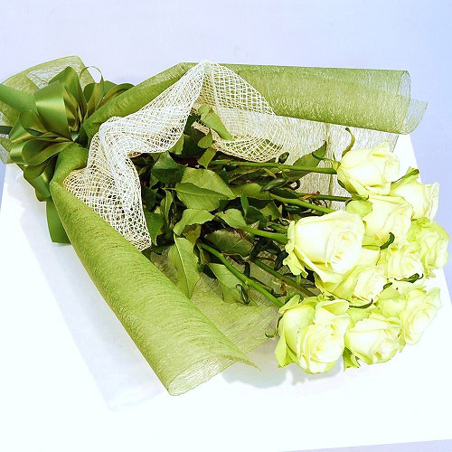 【直送商品B】極上 大輪バラ花束 10本 パステルグリーン