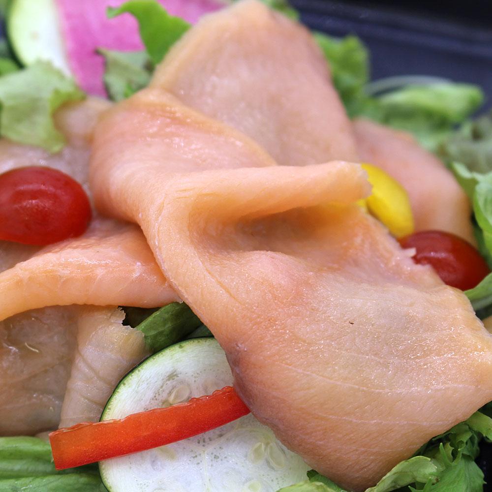 特製ドレッシングで食べるサラダランチ