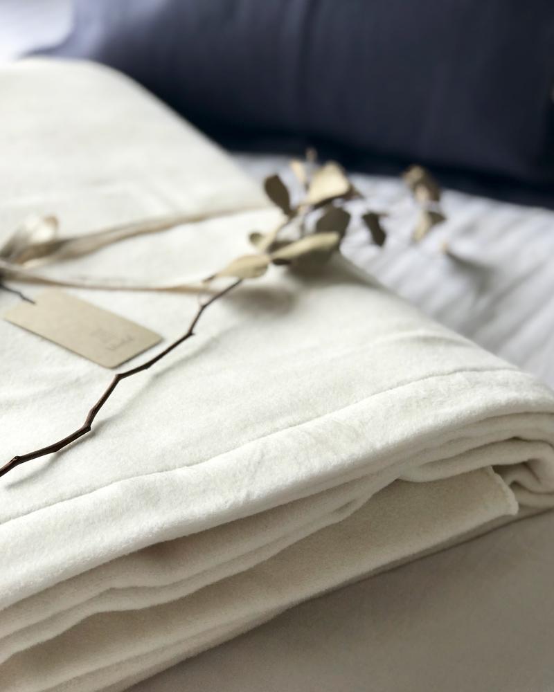 オーガニックコットン 春夏もおすすめ なめらか 綿毛布 シングルサイズ キナリ 日本製 ギフト blissful/ブリスフル