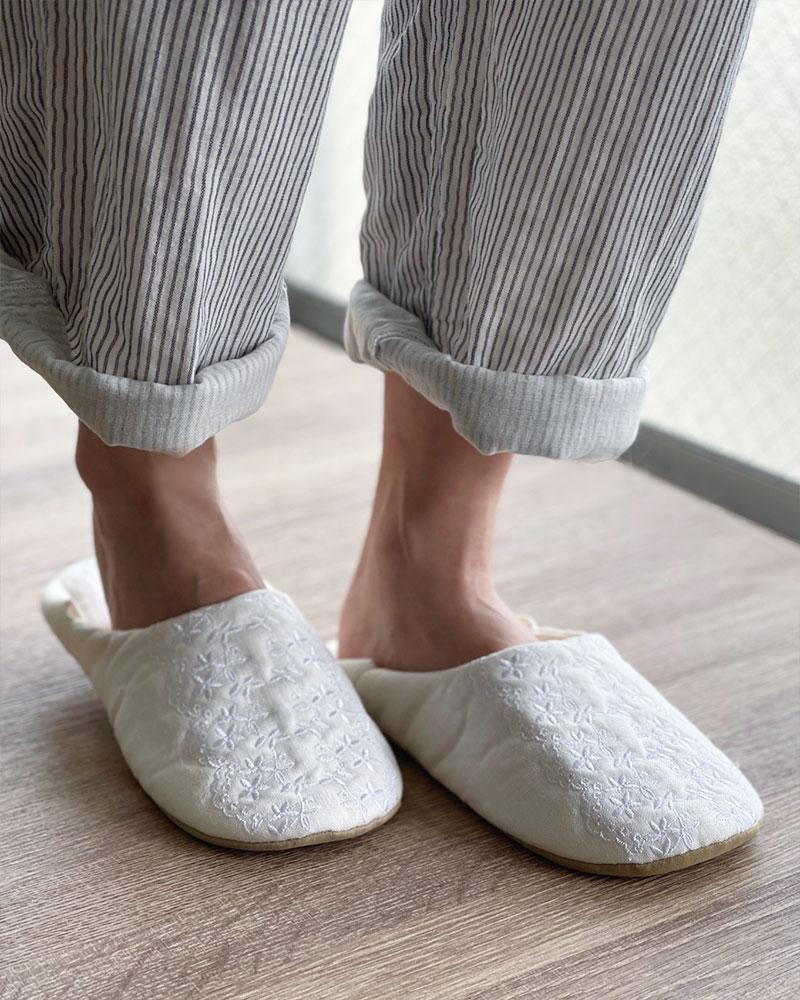 リネンバブーシュ ルームシューズ エンブロイダリーレース 刺繍 オフホワイト 洗濯可 日本製  blissful/ブリスフル