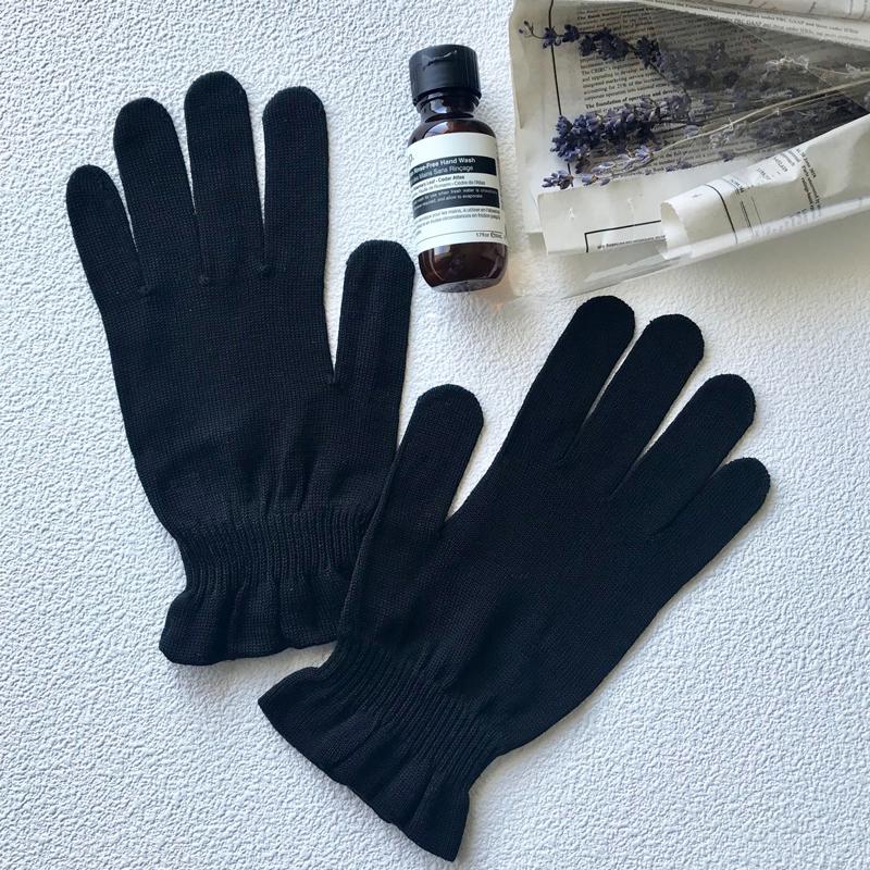 ハンドケア おやすみ用 UV対策用 保湿手袋 シルク  日本製 blissful/ブリスフル