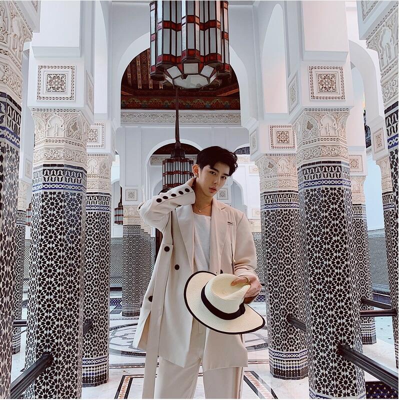 【店内全品送料無料】コロニアルカラー デザインスーツ アイボリー デザイナーズスーツ 上下セット 2ピース 休日 都会 リゾート ホスト パーティー 結婚式 二次会 モード系 韓国 ファッション 韓国系 メンズ モードストリート K-POP アイドル ラグジュアリー