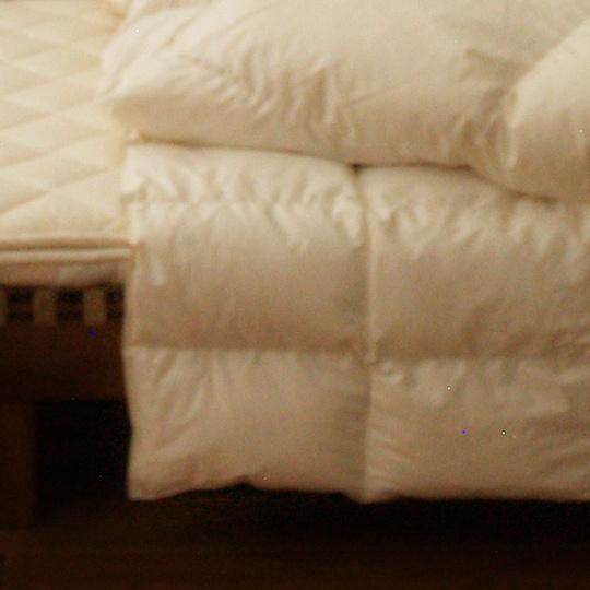 ハンガリーホワイトマザーグースダウン93%×ふわふわ洗える羽毛布団・オールシーズン クイーン