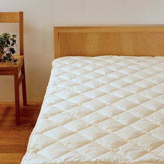 洗えるベッドパッド   (ダクロン(R) FRESH 4穴 中わた) クイーン