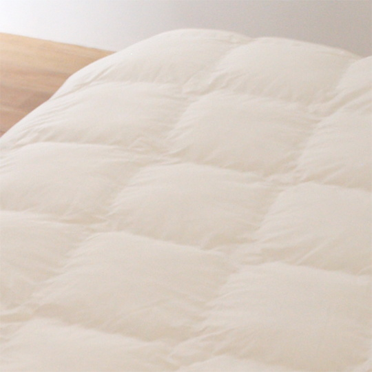 縫い目ゼロの防ダニ掛け布団 羽毛タッチ (アルファイン) シングル