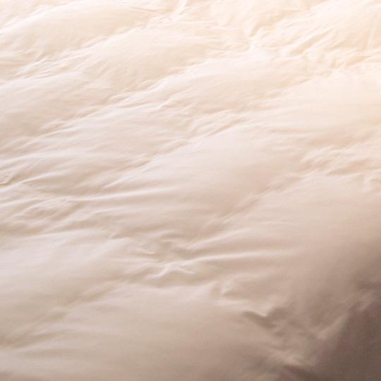 縫い目ゼロの防ダニ肌掛け布団 羽毛タッチ (アルファイン) シングル