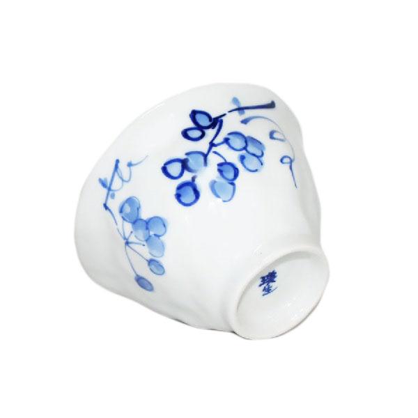 九谷焼 手描き 和洋食器 手起し染付山帰来お茶碗(小)