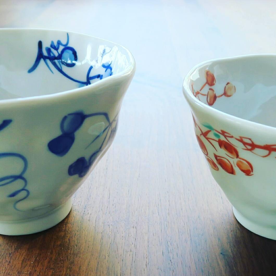 九谷焼 手描き 和洋食器 手起し染付山帰来お茶碗