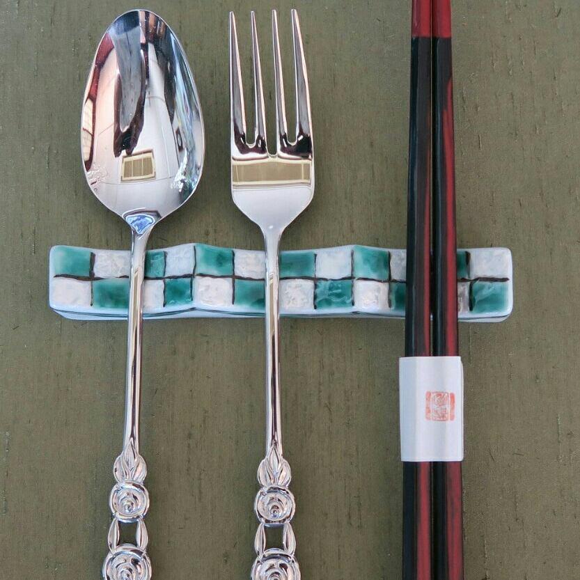 九谷焼 手描き 和洋食器 市松文様(緑)フォーク&ナイフ レスト