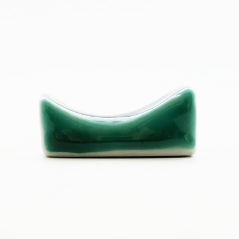 五彩文様一山箸置(緑)
