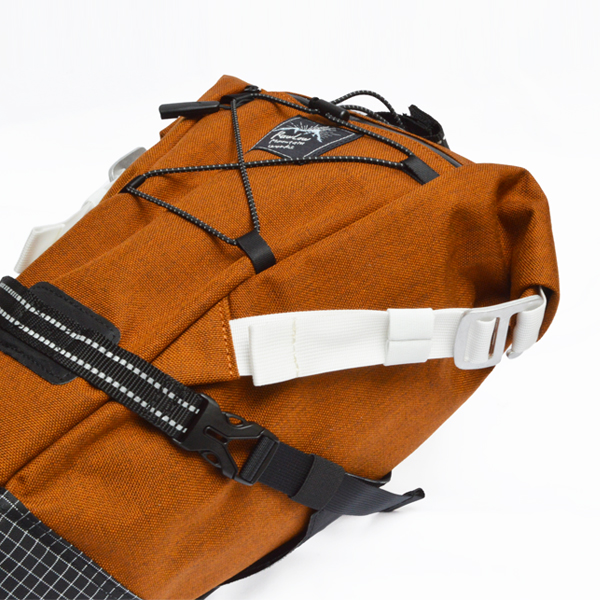 RawLow Mountain Works (ロウロウ マウンテンワークス)/バイクンハイクバッグ【Bike'n Hike Bag】<Amber Brown>