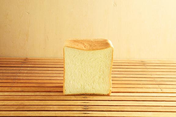 フランス産発酵エシレバター入り角食パン 2斤