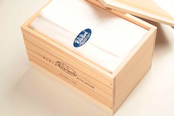 木箱入りフランス産発酵エシレバター角食パン1、5斤